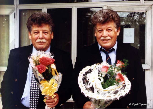 Братья Юрий (слева) и Валерий (справа) Нехаевские