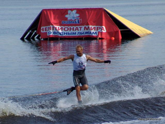 Олег Девятовский вышел на 5-е место в зачете многоборья Чемпионата мира 2011