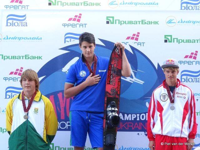 Победители в слаломе среди юношей до 17 лет - 1 - Brando Caruso (ITA), 2 - Dorien Llewellyn (AUT), 3 - Eamon Van Der Merwe (RSA)