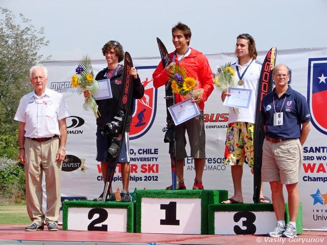 Чемпионы Универсиады в слаломе: 1 - Филиппе Миранда (Чили), 2 - Адам Пикос (США), 3 - Адам Седлмайер (Чехия)