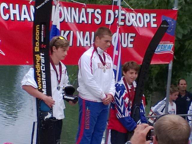 Егор Арефьев - Чемпион Европы по прыжкам с трамплина среди мальчиков до 14 лет (фото Аркадия Генова)