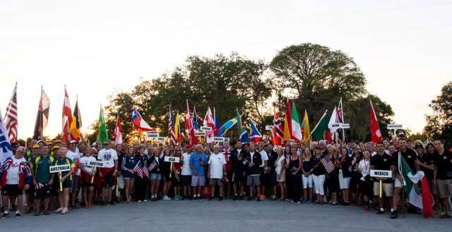 Участники чемпионата мира 35+ на церемонии открытия (фото Jacky Jongenelen)