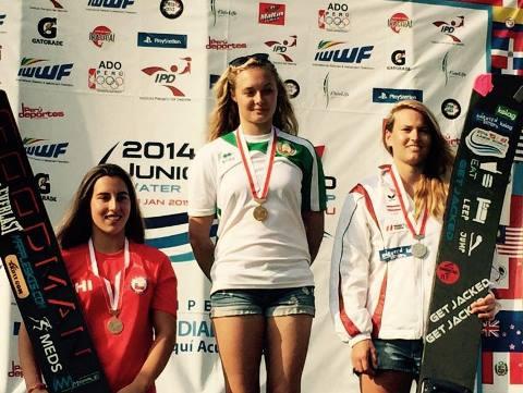 Александра Данишевская на подиуме чемпионата мира среди юниоров  (фото Water Ski Canada Team)