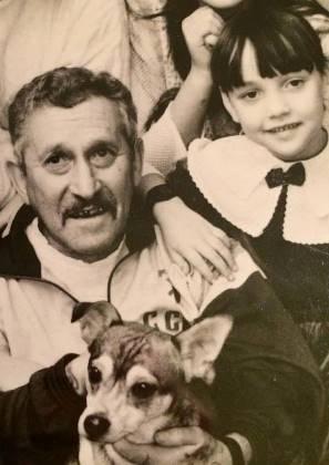 Николай Леонидович Генов с внучкой Аней (фото из семейного архива Геновых)