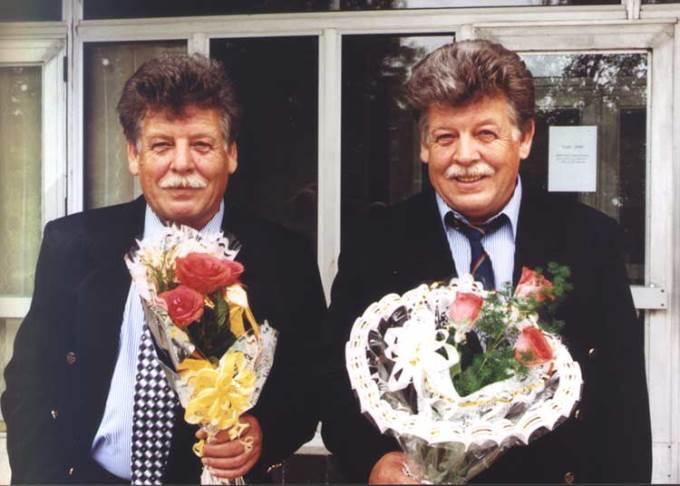 Заслуженные тренеры СССР и России Валерий и Юрий Нехаевские в день своего 60-летия (фото Юрия Туманова)
