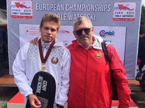 Чемпион Европы 2015 Артем Морозов и заслуженный тренер РБ Владимир Генов (фото Наташи Геновой)