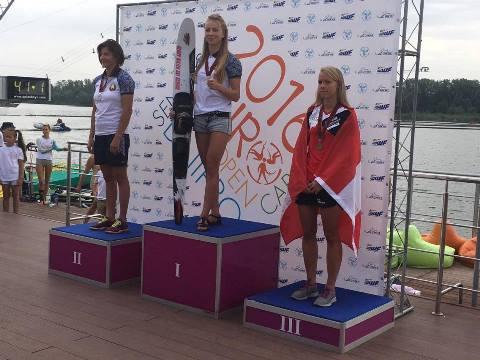 Катя Киселева - чемпионка Европы в слаломе. Фото из ФБ Наташи Геновой