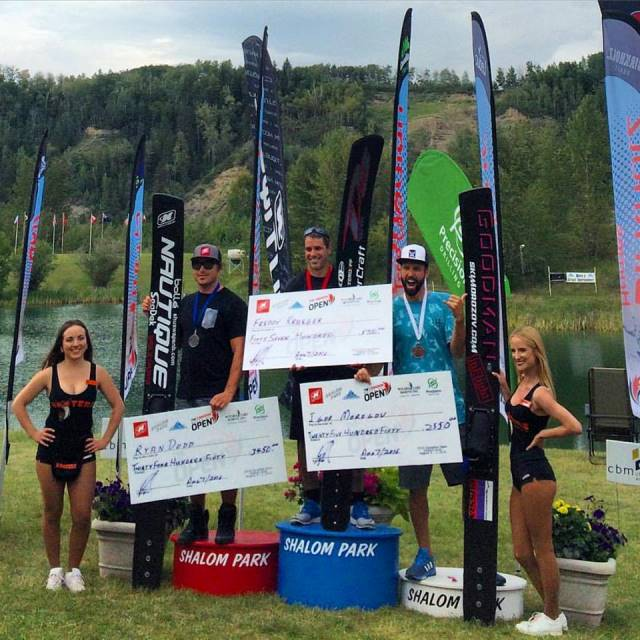 Фредди Крюгер, Райан Додд, Игорь Морозов на подиуме The Canadian Open. Фото Water Ski Canada