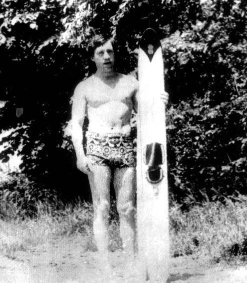 Владимир Высоцкий после прогулки на водных лыжах. Фото Александра Лагутеева