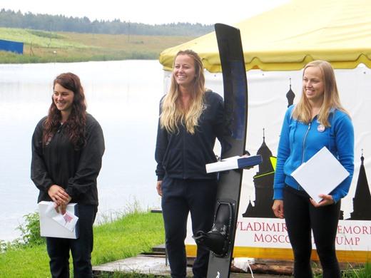 Нэнси Шарден, Лоран Морган и Ютта Менестрина на подиуме турнира. Фото автора