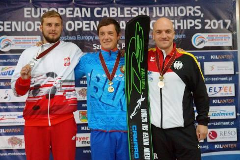 Никита Папакуль - дважды чемпион Европы 2017 за электротягой. Фото из ФБ школы Геновых