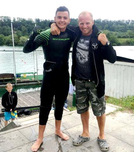 Алекс Самойлов и его тренер Юрий Еремеев после рекордных прыжков. Фото Софии Максименковой