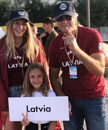 Мегия Рунге и ее отец и тренер Гундарс Рунгис. Фото из ФБ спортсменки