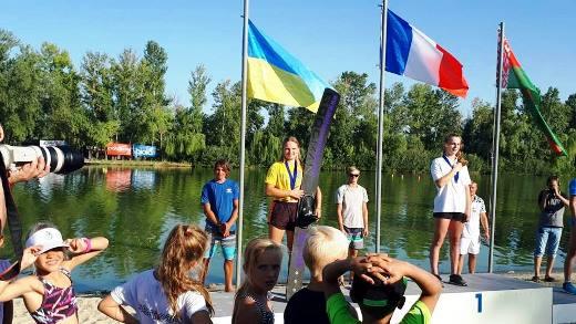 Станислава Просветова знает истинную цену мгновений, когда над головой развевается украинский флаг. Фото Sentosa Waterski Team