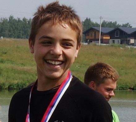 Дамир Филаретов - топ-5 в фигурном катании и топ-10 в многоборье на чемпионате Европы до 21 года. Фото автора