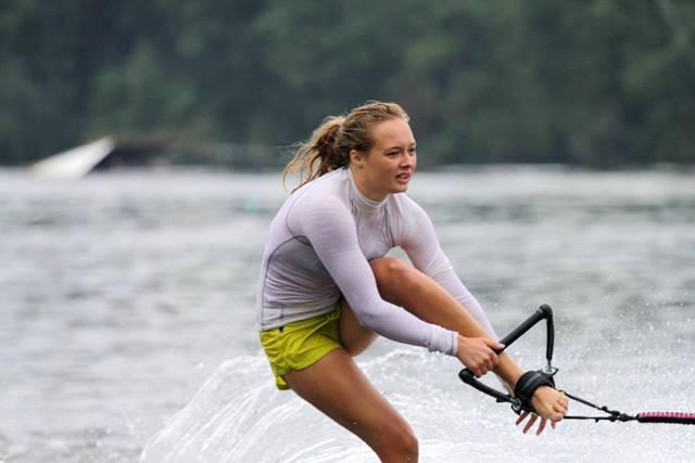 Александра Данишевская - чемпионка Европы до 21 года в фигурном катании, на трамплине и в многоборье. Фото Марины Амельянчик