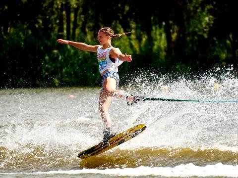 На трассе фигурного катания - рекордсменка Украины Станислава Просветова. Фото Sentosa Waterski Team